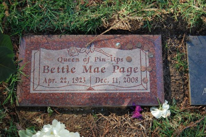 1280px-bettie_page_grave_at_westwood_village_memorial_park_cemetery_in_brentwood_california